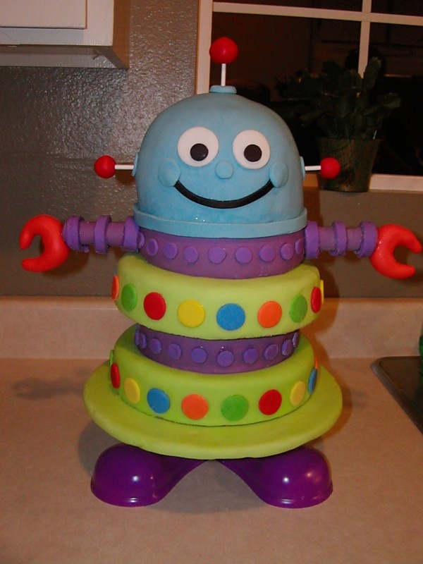 Robot cake... this is soooo cute!!