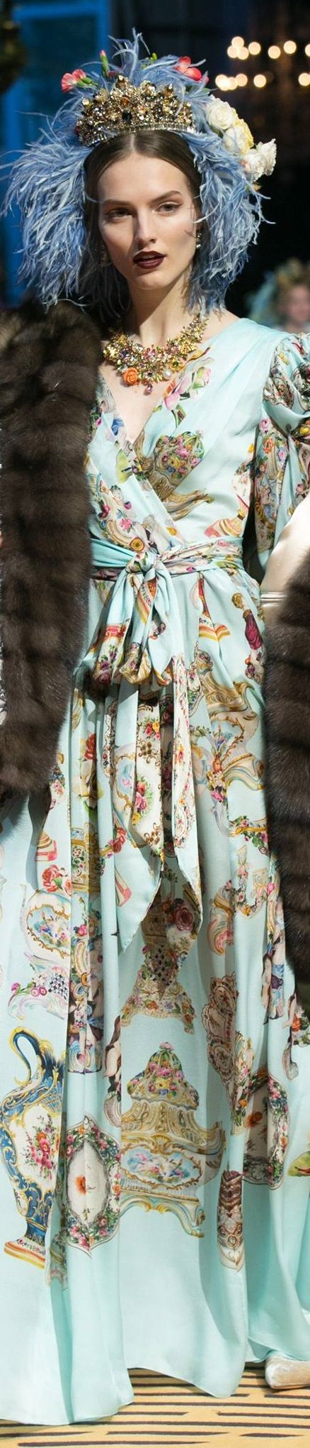 I dislike the fur and the encrusted jewelry but...It's pretty. Dolce and Gabbana Spring 2017 Alta Moda
