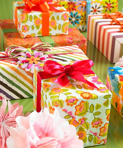 Tip | Guide to Gorgeous Gift Presentation (PDF) | The Container Store