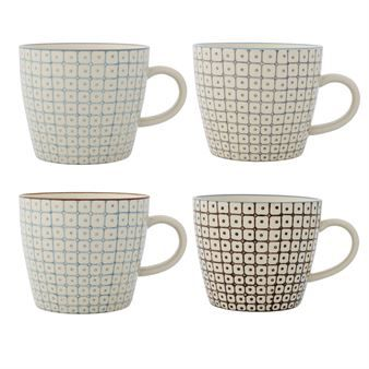 Enjoy your morning coffee in the cute Elizabeth-mugs from the Danish design brand Bloomingville. The mugs are made of glazed stoneware with a minimalistic pattern in sober pastel tones. Beautiful in combination with other pieces in the Elizabeth range.