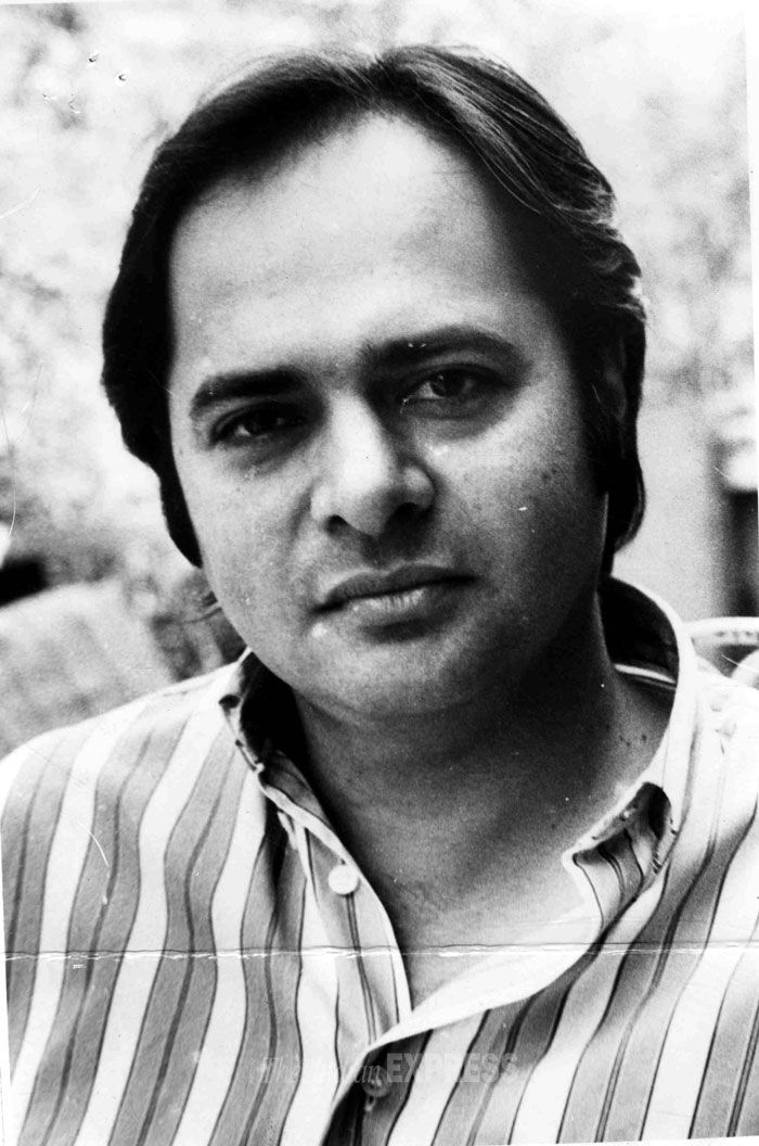 Jeena isi ka naam hai: The life and times of Farooq Sheikh. The complete performing artist.