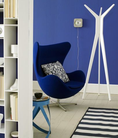 Una parete blu oltremare
