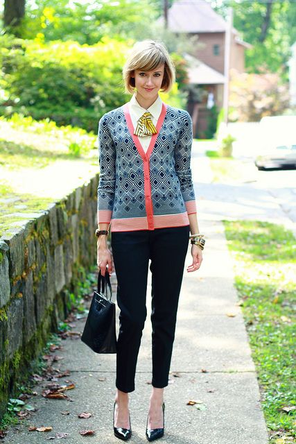 diamond print cardigan on district of chic: Pattern Mixing, Style, Prints Cardigans, Bold Prints, Tory Burch, Mixed Prints, Diamonds Prints, Cardigans Outfits, Patterns Mixed
