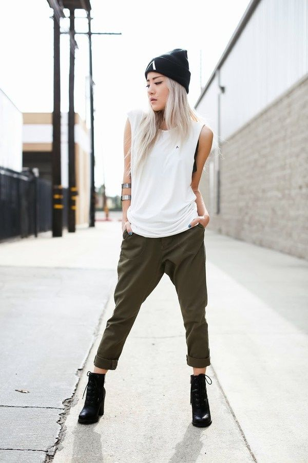 45 Slouchy Pants Outfits to be the Coolest Girl | http://hercanvas.com/slouchy-pants-outfits-to-be-the-coolest-girl/