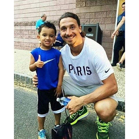 Just so friction' adorable. Zlatan Ibrahimovic and a young fan.