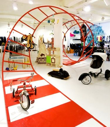 """Kayo, a kids concept"", in Antwerp. Use of 3D floor decals for a retail concept."