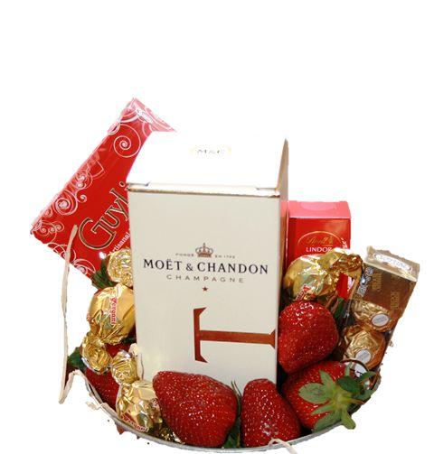 Bloomin Boxes :: Moet gift bucket