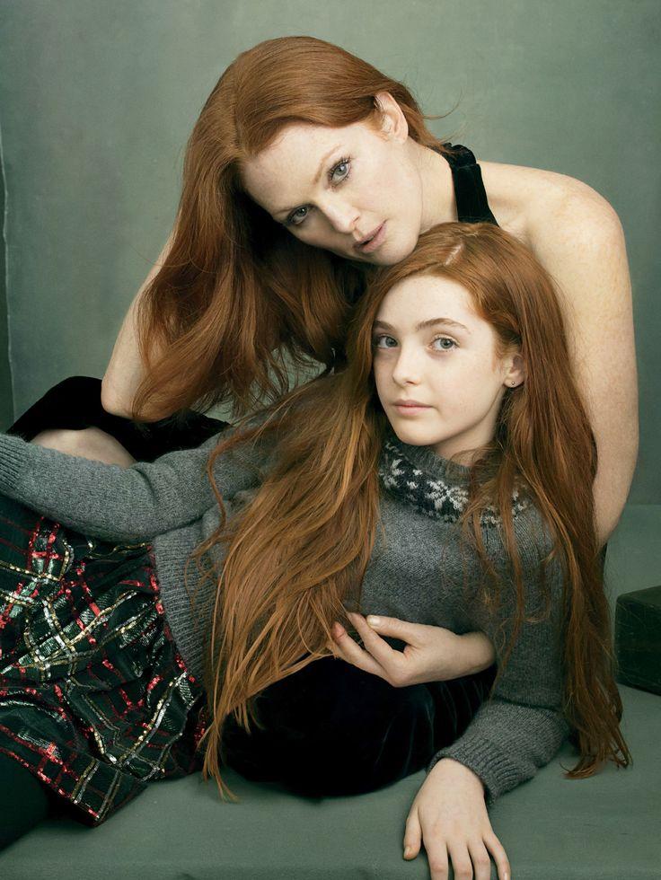 Annie Leibovitz: Julianne Moore & daughter Liv Freundlich. Vogue, August 2014. The red heads beauty ❤️