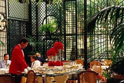 FOOD and LUXURY: Afternoon tea at the Alvear Palace Hotel. Av Alvear 1891 (near Recoleta cemetery). See also http://singleguychef.blogspot.com.ar/2008/11/travel-dish-lorangerie-at-alvear-palace.html
