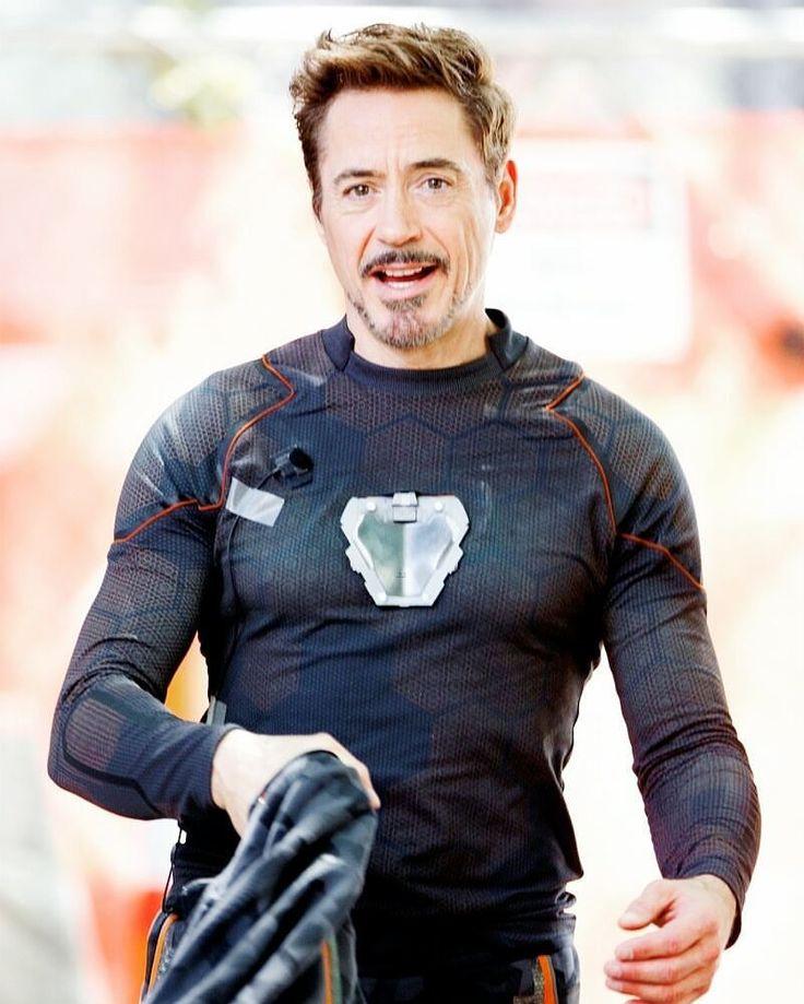"""""""Robert Downey Jr on the set of #Avengerslnfinitywar in Atlanta! ( 26/06/2017) #TonyStark"""""""