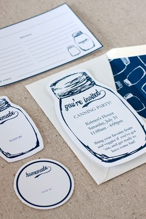 free printable Mason jar labels and invites great for summer!