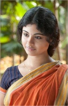 Life Of Pi Heroine Shravanthi Sainath Half Saree Photos