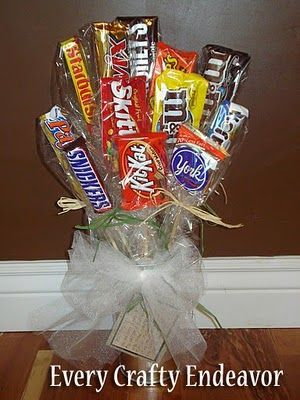 A bouquet of candy. Cute idea!: Holidays Celebrations Gifts, Gifts Ideas, Gift Ideas, Friends Gifts, Candy Bar, Candy Bouquet, Congrat Gifts, Card, Valentine Day Gifts