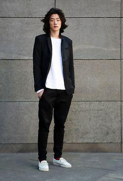 黒のテーラードジャケットのイマドキな着こなし♪の画像