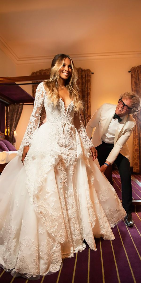World S Most 10 Expensive Wedding Dresses To Die For Expensive Wedding Dress Embellished Wedding Dress Wedding Dresses