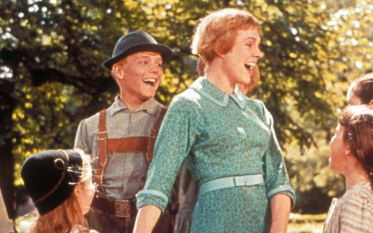 Showbiz Analysis with The Sound of Music's Nicholas Hammond #FriedrichvonTrapp