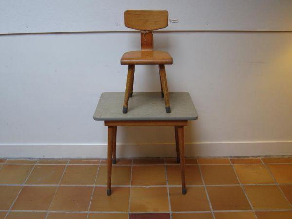Kindertafel en stoeltje '60