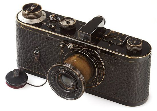 I've been waiting for you...Leica camera rare 1923, is the most expansive at $ 2,8 million.