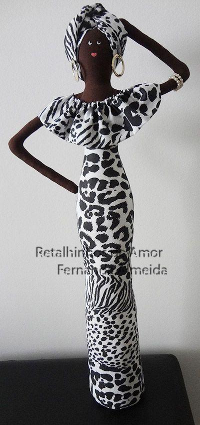 Africana em tecido