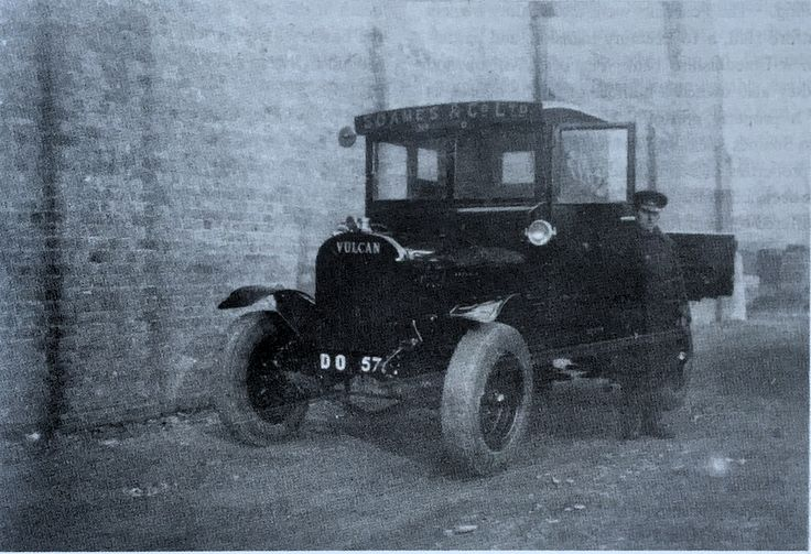 Soames also owned this small lorry dating from around 1922 by Vulcan of Southport probably bought new as it has a Lincolnshire  (Holland) registration. Its driver seems very smartly attired.