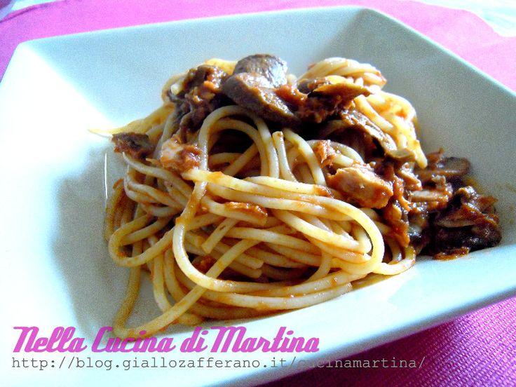 Oggi voglio proporvi questa ricetta tipica di Roma, città bellissima : gli spaghetti alla carrettiera, un miscuglio di sapori inebrianti.