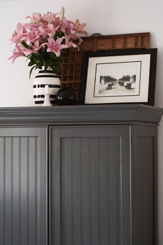 this color in the kitchen would look good with light blue walls @Suzanne Senn bloom