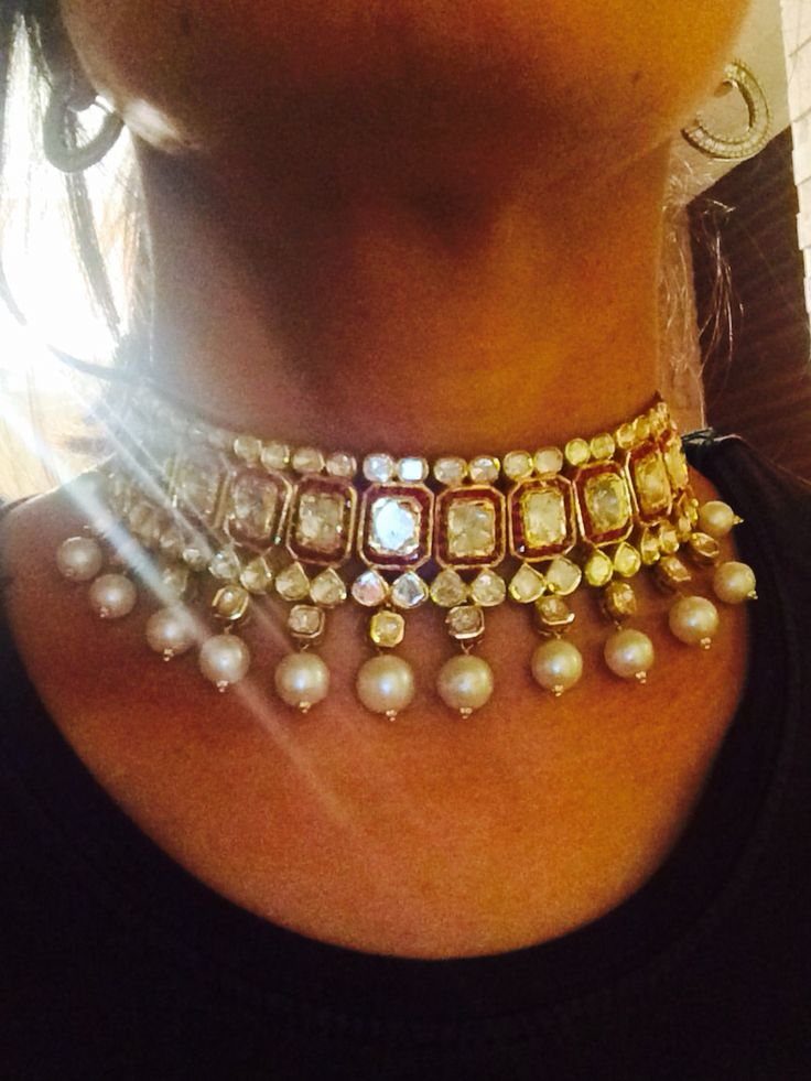 Gorgeous choker in polki and red mina