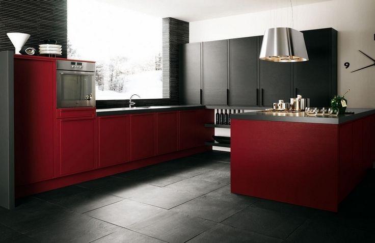 cuisine rouge et noir mat aux accents blancs et inox de design moderne