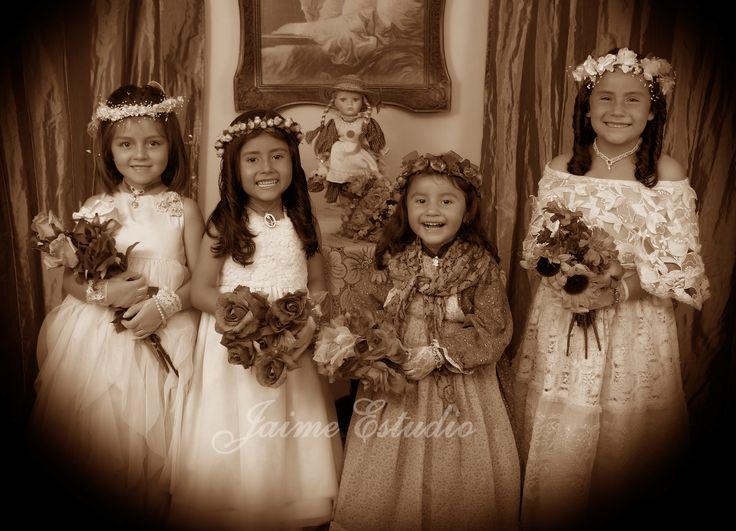 Hermosas niñas de época antigua