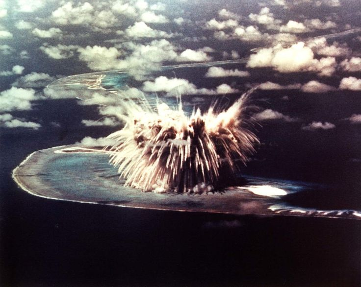 Atom bomb test at the Enewetak atoll in the Marshall Islands. (Photo: National Nuclear Security Administration/Public Domain)