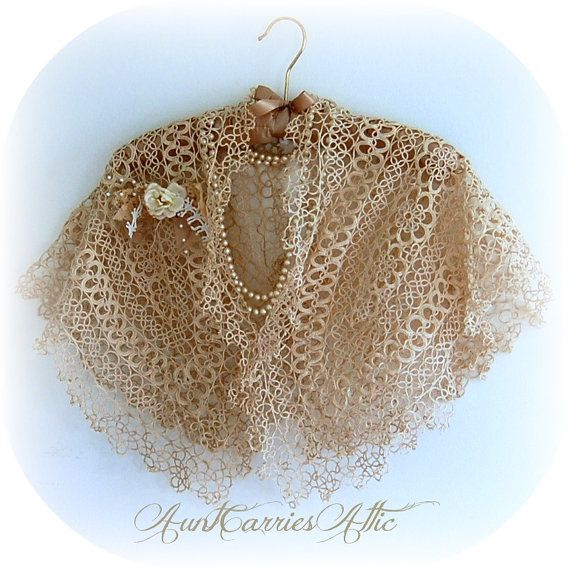 Tatted Lace Collar Shrug Shawl Very Delicate by auntcarriesattic, $160.00  ---  Wow...Lace Collar