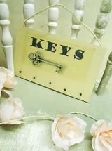 KEYS ..where are they ?? Perfect lovely little something for any gift occasion  Size 260 mm x 160 mm aprox. All our plaques are gift wrapped as part of a free service to our customers; Taking the hassle out of shopping, and putting the love back into gifts buying. All plaques are finished with a natural twine and ready for wall hanging.  Disclaimer: As all our products are lovingly hand finished there may be slight variations between designs.  £7.99 shop now at www.katiedolittle.com
