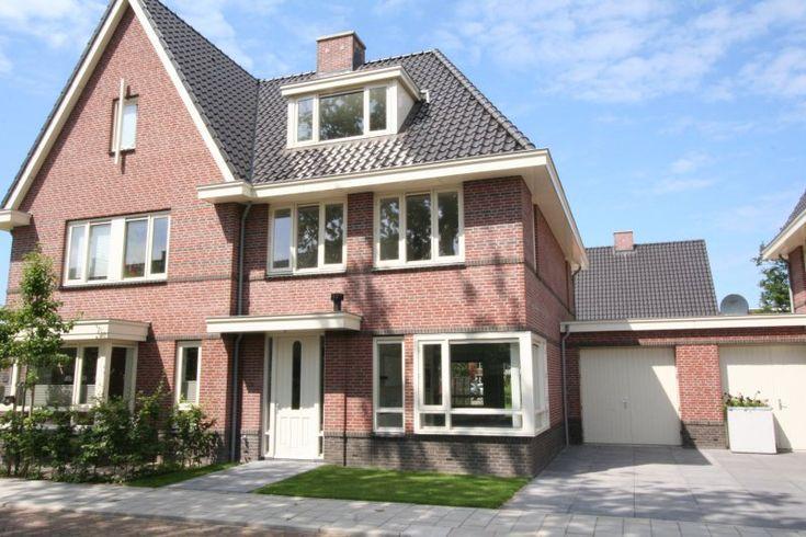 Linnaeuslaan 23, Twee onder één kap in Voorhout | ZekerVia Makelaarsgroep