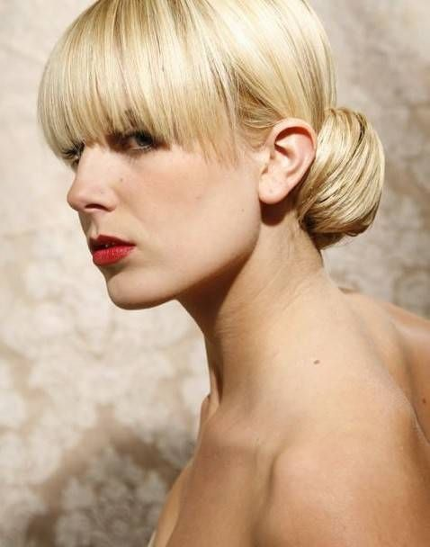 Acconciature glamour capelli lunghi lisci (Foto)   Bellezza pourfemme