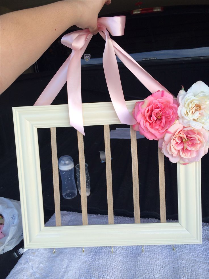 Baby girl bow holder