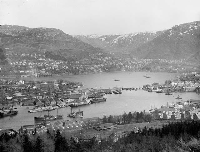 Byen fra Løvstakken mai 1924 fra marcus.uib.no