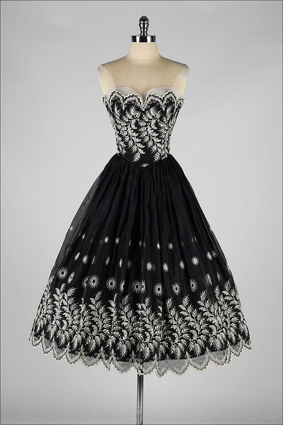 1950's Embroidered Strapless Dress