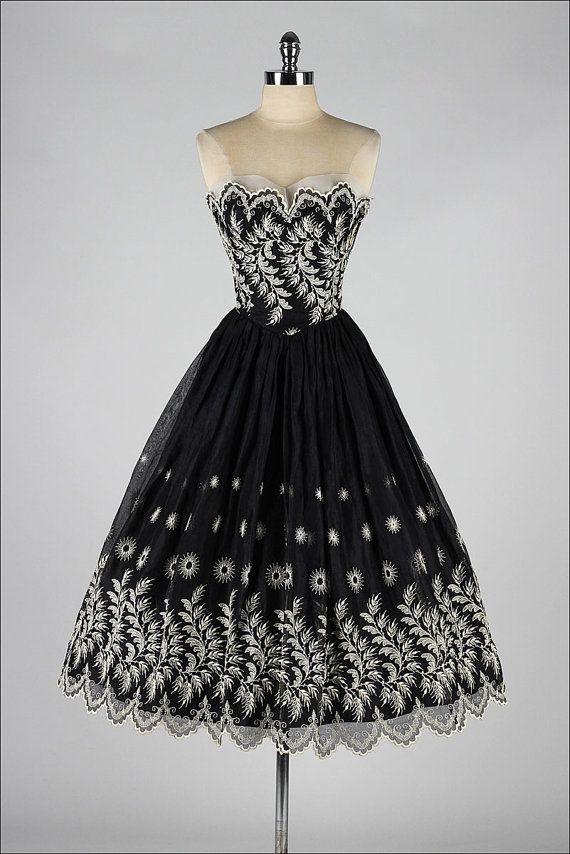 vintage 1950s dress . black strapless by millstreetvintage on Etsy