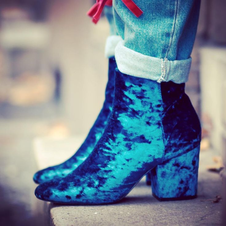 OH VELVET best booties up now on the blog {link in bio} thx a lot for the pic @matthiashesse
