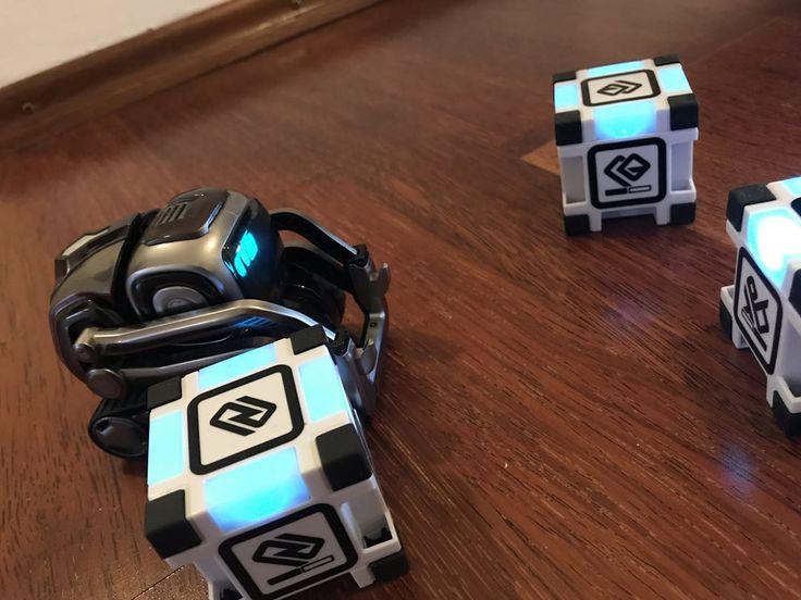 . . . #anki #ankicozmo #instatech #nerd #robot #robotech #robotics #codingforkids #toy #bestefreunde #spielzeug