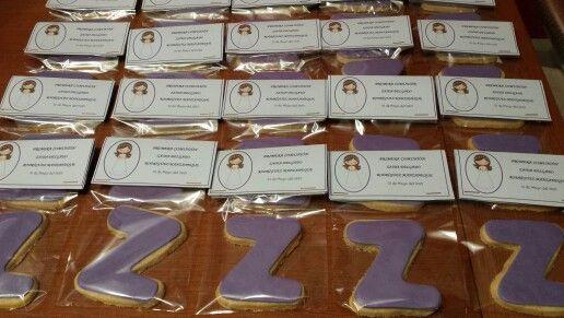 Galletas con la inicial de la Comunianta, para los invitados! Enhorabuena Zaida!!
