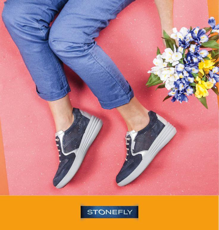 Voglia di #primavera? A volte basta indossare un paio di scarpe leggere e acquistare un bel mazzo di fiori colorati per sentirsi subito più allegre ed energiche!