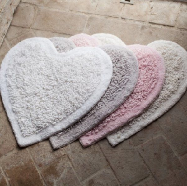 tapis de bain coeur blanc mariclo salles de bain pinterest cheap baths. Black Bedroom Furniture Sets. Home Design Ideas