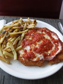 Matt Likes to Cook - Matt Likes to Eat: Milanesa de Pollo a la Napolitana!