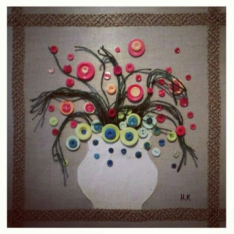 Flowers,  canvas and buttons, by Hamza Kanaan 2014. #flowers #art #fine_arts #artist #زهور #فن_تشكيلي #فنون_جميلة #حمزة_كنعان