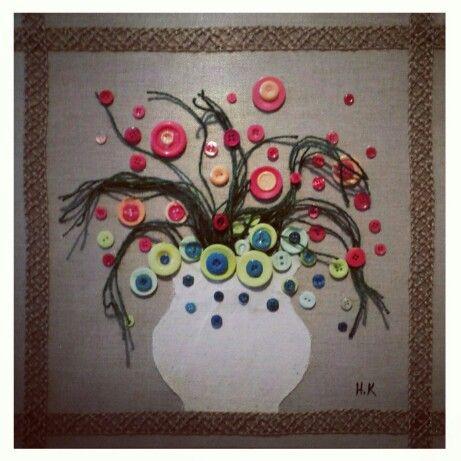 Flowers,  canvas and buttons, by Hamza Kanaan 2014. #flowers #art #fine_arts #artist #زهور #فن_تشكيلي #فنون_جميلة #حمزة_كنعان