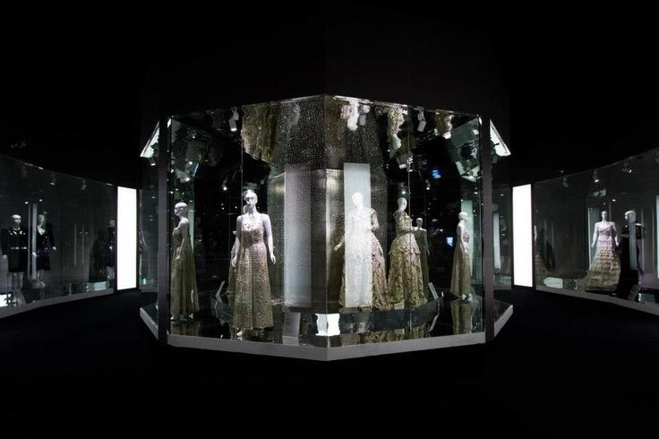 Hall of Fashion; Swarovski Spakling Secrets