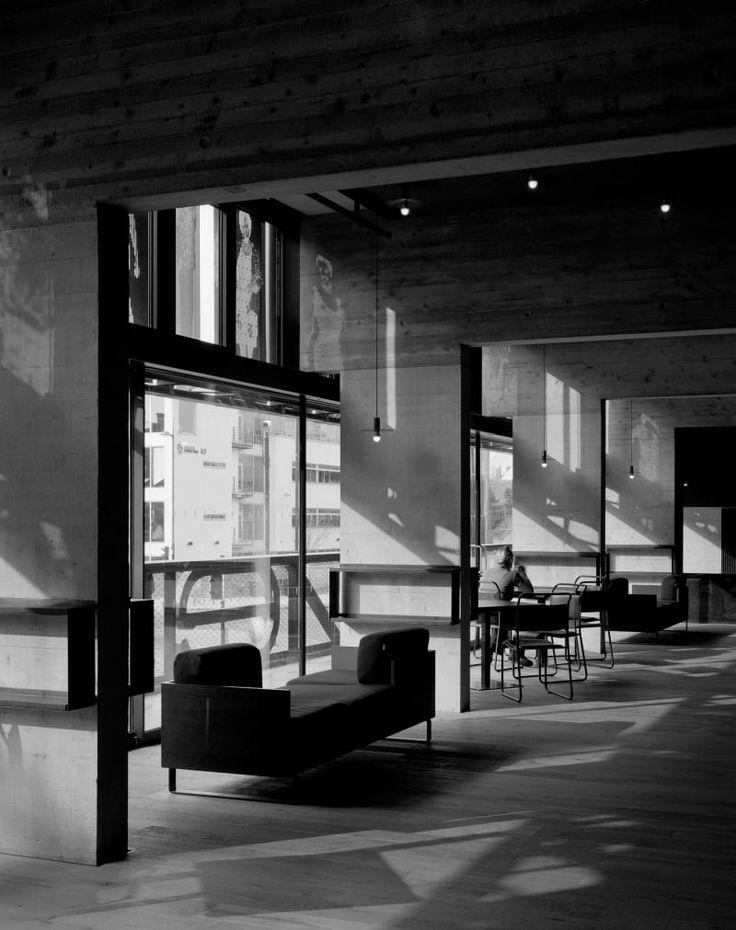 Haworth Tompkins Architects, Hélène Binet, Philip Vile · Everyman Theatre