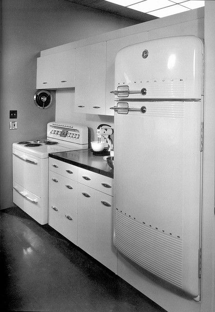 mid-century modern kitchen  #midcentury #kitchen...If it were still in perfect working condition I would take it :)