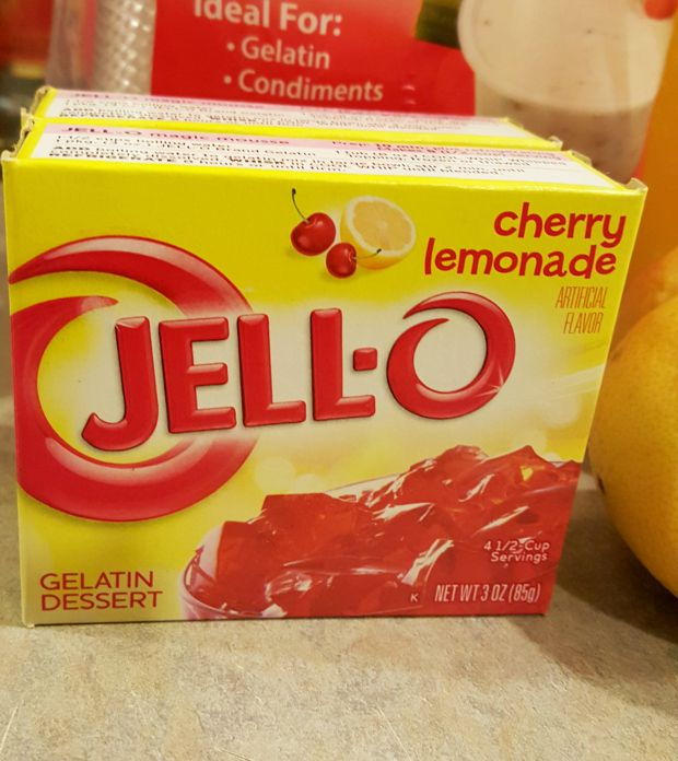 Best jello shots ever! Cherry Lemonade frollom Almost Her Blog. #jelloshots #cherrylemonade